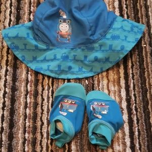 Baby  sun  hat and shoes